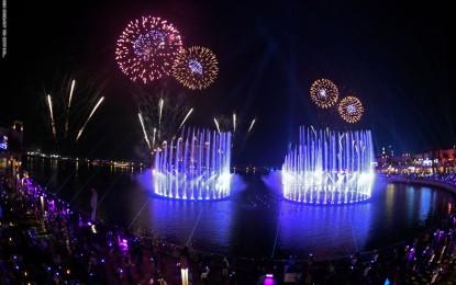 """""""نافورة النخلة"""" في دبي تحطم رقم موسوعة غينيس القياسي"""