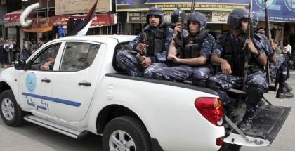 رام الله .. الأجهزة الأمنية تغلق مكتب شركة (جي ميديا) الإعلامية