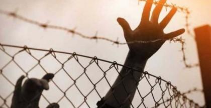 """قوات القمع """"الإسرائيلية"""" تقتحم قسم (22) في سجن النقب"""