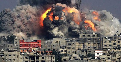 برا وجوا وبحرا .. جيش الاحتلال يواصل قصفه على قطاع غزة