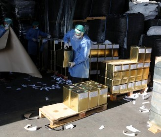لأول مرة .. مصنع في غزة يقوم بتعبئة زيت الزيتون وتصديره للخارج