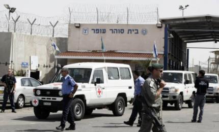 حكومة الاحتلال تقرر تطعيم الأسرى بعد ضغوط مؤسسات حقوقية
