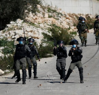 قوات الاحتلال تشن حملة اعتقالات ومداهمات بمناطق متفرقة بالضفة المحتلة