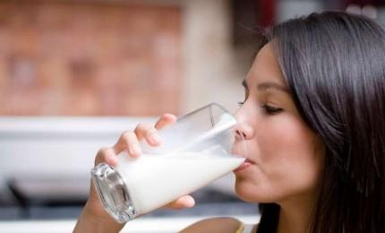 هذه الأسباب ستجعلكم تشربون الحليب يوميًا قبل النوم