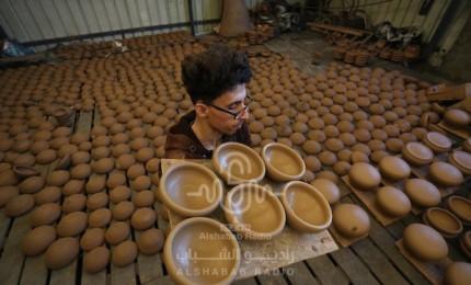 صناعة الفخار في قطاع غزة تراث يندثر بسبب الحصار