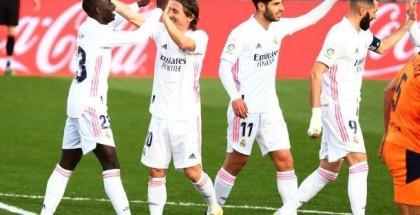أنشيلوتي يحدد مصير ثلاثي ريال مدريد