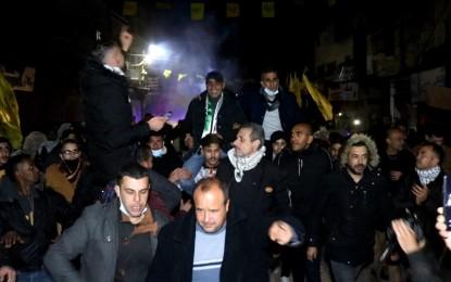 غزة.. بالفيديو استقبال حاشد  للقيادي في حركة فتح خضر المجدلاوي بعد سنوات من الإبعاد