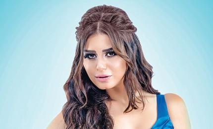 جمهور الفنانة ياسمين صبري يُهاجم زميلتها الفنانة منة فضالي