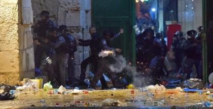 أجهزة السلطة تعتقل مجموعة من الشبان وسط مدينة الخليل