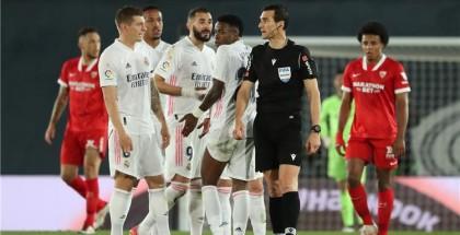 هدف بالصدفة يمنح ريال مدريد نقطة أمام إشبيلية