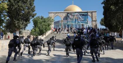 غضب عارم وتحذيرات من استمرار العدوان على القدس العاصمة