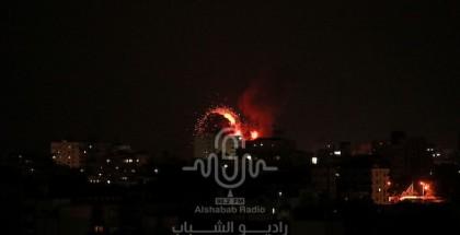 شاهد بالصور: العدوان الغاشم على قطاع غزة ليلا