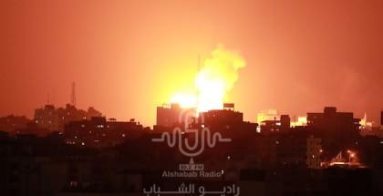 صحيفة تكشف عن وجود نقاش جدي للتوصل إلى تهدئة في غزّة منتصف الليلة