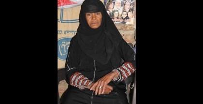 """مصرية تنكرت بملابس الرجال """"50"""" سنة لإعالة ابنتها"""