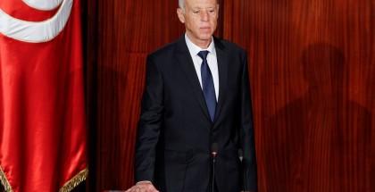 الرئيس التونسي يصدر أوامر بإقالة مستشارين ومدير القضاء العسكري