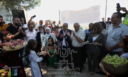 افتتاح سوق بيتا في قرية بيتا بالضفة المحتلة بالقرب من نابلس