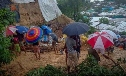 إجلاء 10 آلاف من الروهينغا من مخيمات تضررت جراء انزلاقات التربة في بنغلادش