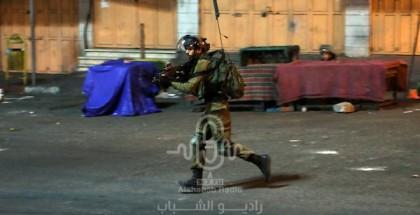 الاحتلال يعتدي على عائلة في جبل المكبر ويعتقل 5 من أفرادها