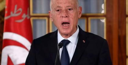 الرئيس التونسي يعلن إطلاق حوار وطني يشمل النظام السياسي